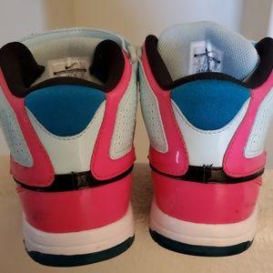 Nike Shoes - Women's Nike Air Morgan 8